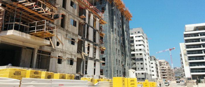 """השקעה במבנה תעשיה לעומת השקעה בנדל""""ן למגורים"""