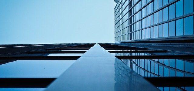 התקנת ציפוי אנטי סאן נגד קרינה לחלונות המבנה
