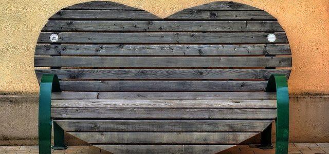 ספסלים מעוצבים – הרבה יותר מרק לשבת